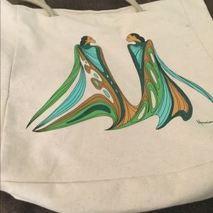 Native print shopping bag.